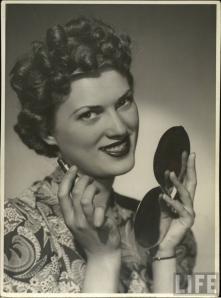 glamourdaze -1940s lipstick1