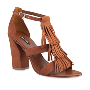 bolsas-e-sapatos-com-franjas-2015-2
