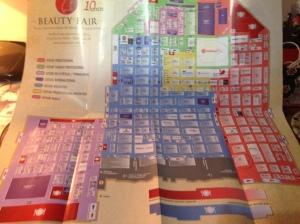 """Esse é o """"pequeno"""" mapa da feira. Os estandes circulados são aqueles que eu pretendia visitar. Obviamente não deu certo!"""