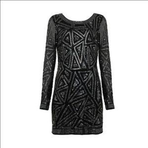 Esse é o vestido mais caro da coleção. Lindo, né?