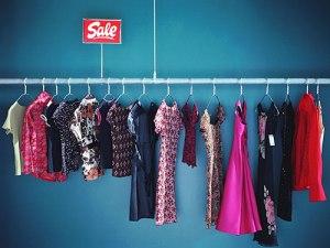 02-clothing-sale-rack-lgn-70641507