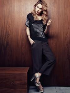 Essa mocinha das fotos é a Suki Waterhouse, modelo inglesa mais conhecida por ser a namorada do Bradley Cooper. Para poucas!