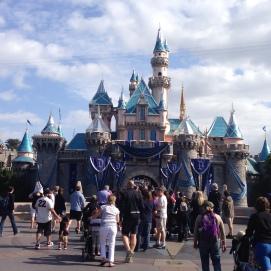 Na Disneyland, o castelo é da Bela Adormecida
